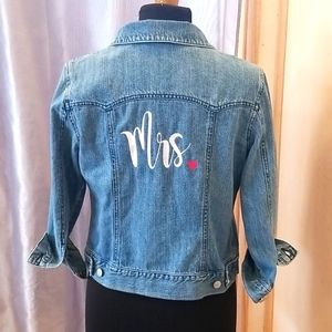 Mrs. Embroidered jean jacket